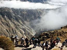Construirán miradores en el Colca para ver proceso eruptivo del volcán Sabancaya