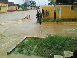 Gobierno envía 43 motobombas para desaguar zonas inundadas en Piura