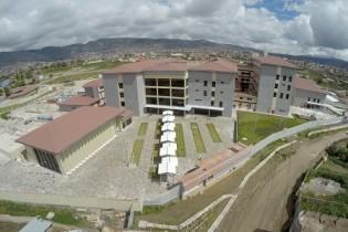 Hospital regional de Ayacucho: Conjunto de volúmenes paralelos