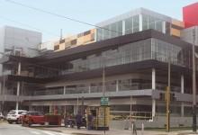 Strip Center Magdalena: Volumetría compacta
