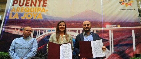 Arequipa: firman convenio para construir puente de autopista a La Joya
