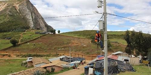 Japón financia obra de electrificación en comunidades rurales de Loreto