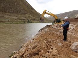 Junín: ejecutan descolmatación y encauzamiento de río Mantaro en Jauja