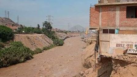 Ministro de Vivienda pide sanciones para alcaldes que dan títulos de propiedad en quebradas