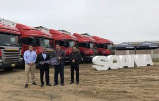 Scania del Perú entregó 8 camiones P440 Euro a empresa Hermanos Alonso