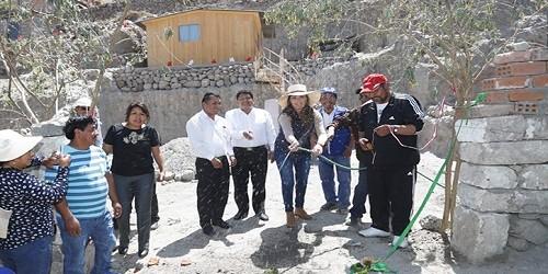 Arequipa: Gobernadora inaugura redes de agua y alcantarillado en Paucarpata