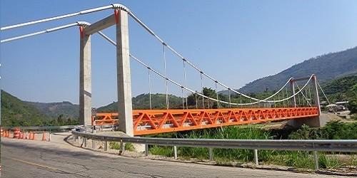 Puente Perené : Elemento estructural colgante