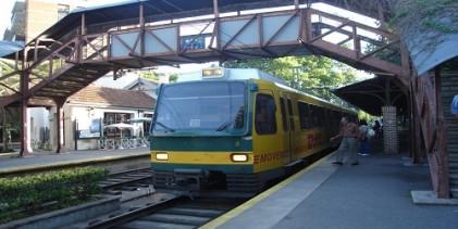 Plantean de necesidad pública la construcción del Tren de la Costa